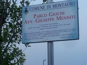La targa a memoria dell'avvocato Giuseppe Menniti, papà di Domenico